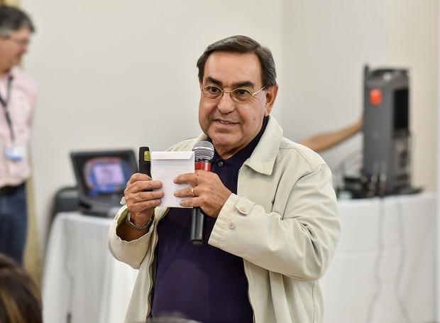 O professor Luiz Almeira Marins faz palestra no lançamento do projeto EPTV na Escola 2016 em Ribeirão Preto (Foto: Thiago Losz/EPTV)
