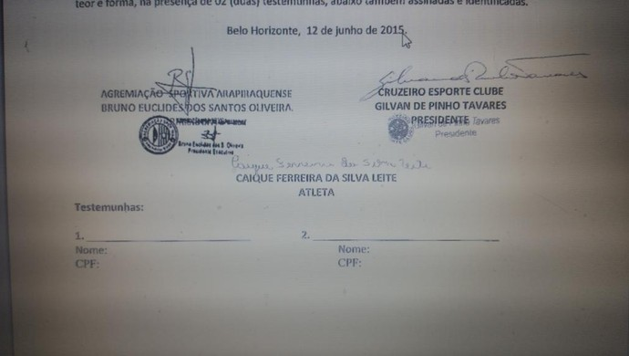 Contrato Valdívia ASA e Cruzeiro (Foto: Reprodução Twitter)