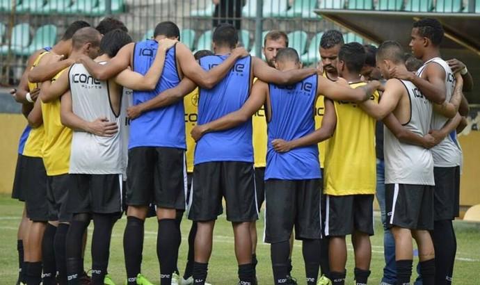 Resende tem dura missão contra o Botafogo para escapar do rebaixamento (Foto: Marcos Faria)