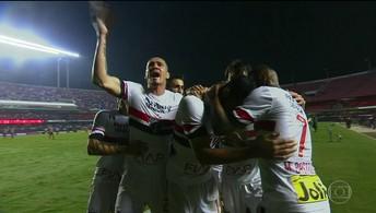 Cueva estreia bem, São Paulo vence mas Ganso se machuca e fica fora da Libertadores