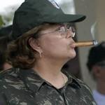 Dilma fumando charuto (Foto: Arquivo Google)