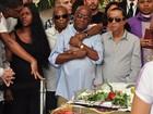 Aplausos, emoção e tumulto na despedida a Emílio Santiago no Rio