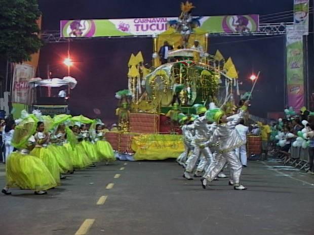 Escola de Samba Matinha no desfile de 2012 em Tucuruí carnaval (Foto: Divulgação)