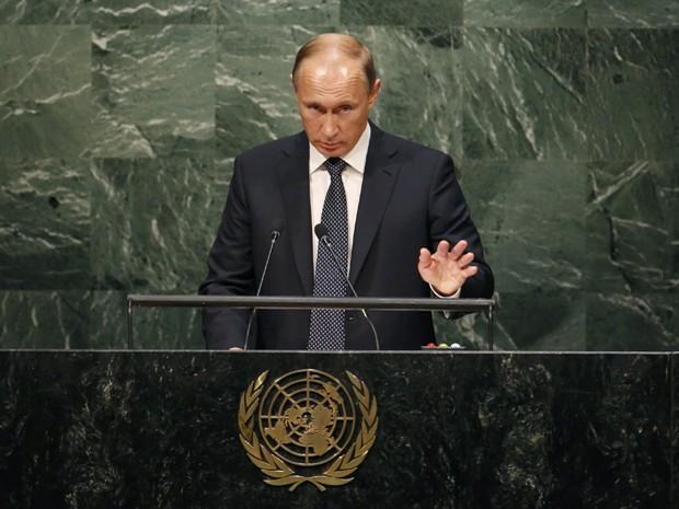 Presidente russo, Vladimir Putin, discursa no plenário da ONU pela primeira vez desde 2005 (Foto: Mike Segar/ Reuters)