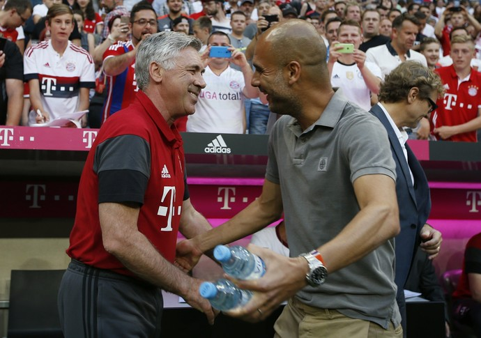 Carlo Ancelotti e Pep Guardiola, Bayern de Munique x Manchester City (Foto: Reuters / Michaela Rehle)