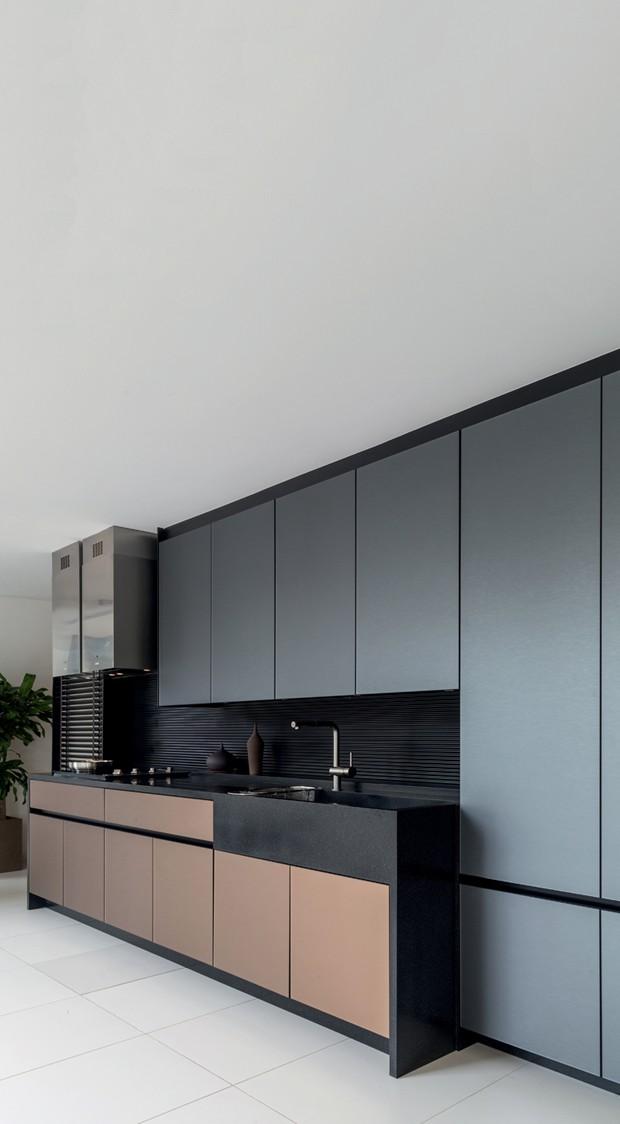 Estúdio Kitchens com a linha Bryce. O design é assinado por André Brito e privilegia a união da tecnologia com o minimalismo (Foto: Divulgação)