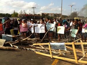Protesto na UFMA, em São Luís (Foto: Giovanni Spinucci/TV Mirante)