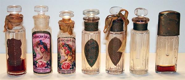 Perfumes vendidos pela California Perfume Company (Foto: Reprodução Internet/CaliforniaPerfumeCompany.net)