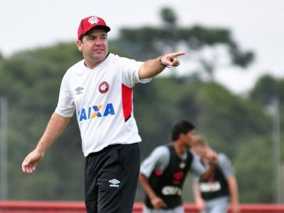 Enderson Moreira Atlético-PR (Foto: Divulgação/ Site oficial Atlético-PR)