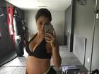 Aryane Steinkopf mostra barrigão de grávida em foto: 'Está tudo pesando'