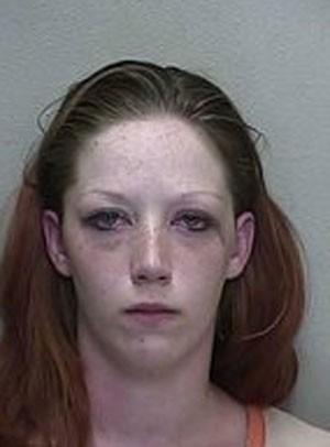 Britney Jean Rohdy foi acusada de negligência infantil (Foto: Divulgação/Ocala Police Department)