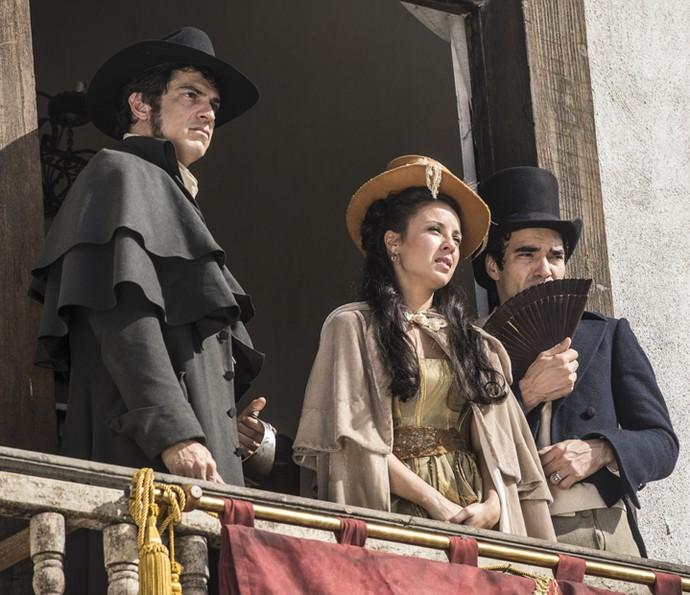 Joaquina acompanha enforcamento com Rubião e André (Foto: Inácio Moraes/Gshow)