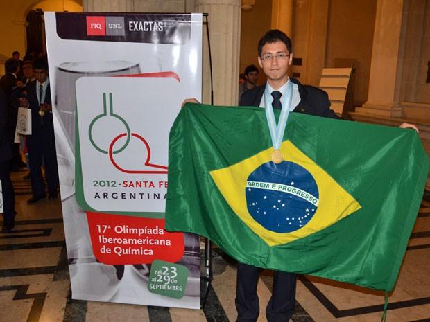 Daniel Hara, de São Paulo, ganhou medalha de ouro na Iberoamericana de Química (Foto: Arquivo pessoal)