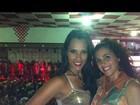 Ex-BBBs Kelly e Noemi curtem noite de samba na quadra do Salgueiro