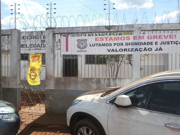 Prédio já foi interditado outras vezes, segundo informou o Sinpol (Foto: Divulgação / Polícia Civil)