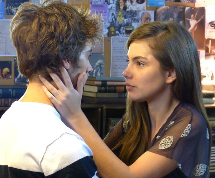 Bianca quer saber se o sentimento de João mudou (Foto: Leonardo Arromba/Gshow)