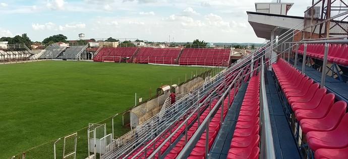 Estádio dos Amaros, Itápolis, Oeste (Foto: Sérgio Pais)
