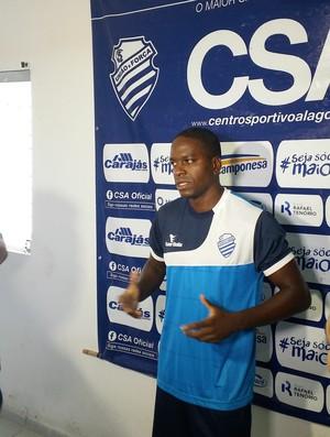 Marcelo Nicácio, atacante do CSA (Foto: Augusto Oliveira/GloboEsporte.com)
