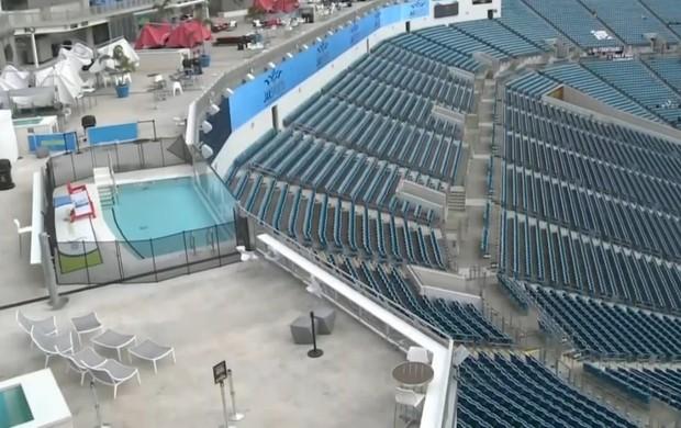Estádio EverBank Field camarote com piscina (Foto: Reprodução SporTV)