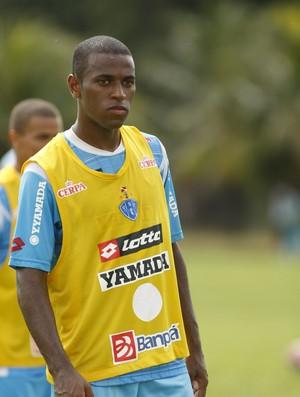 Leleu durante treino do Paysandu (Foto: Marcelo Seabra/O Liberal)