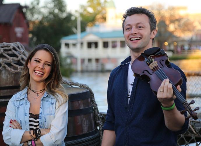 Sandy e Lucas se divertem em desafio do Estrelas com as músicas da Disney (Foto: Thiago Fontolan/Gshow)
