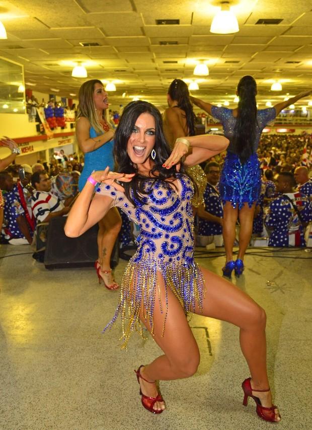 Carla Prata nova musa da Ilha (Foto: Rodrigo Mesquita / Divulgação)