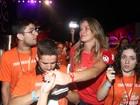 Letícia Birkheuer causa em camarote em São Paulo