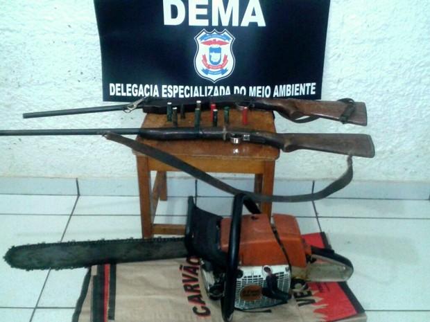Material apreendido em operação para fechar carvoaria ilegal em MT (Foto: Divulgação/Polícia Civil-MT)