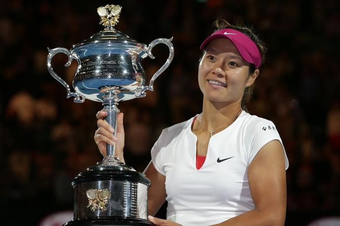 Tenis Australian Open Na Li  Trofeu (Foto: AP)