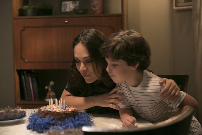 Elio recorda aniversário na infância na companhia da tia Suzana (Foto: Raphael Dias/Gshow)