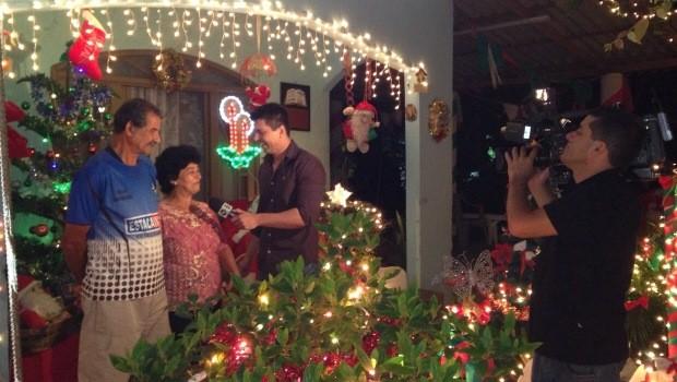 Apresentadores vão visitar casas decoradas em Joinville (Foto: RBS TV/Divulgação)