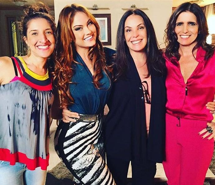 Ao lado de Dinalda (Renata Augusto), trio formado por Leonora (Ellen Rocche), Penélope (Carolina Ferraz) e Rebeca (Malu Mader) vai aprontar todas (Foto: Reprodução Instagram Carolina Ferraz)