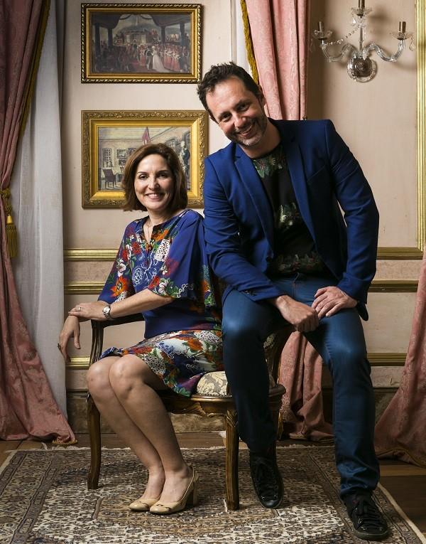 Os autores de Novo Mundo, Thereza Falcão e Alessandro Marson (Foto: TV Globo/ Raquel Cunha)