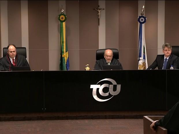 Ministros do TCU julgam as contas de Dilma (Gnerws) (Foto: Reprodução GloboNews)