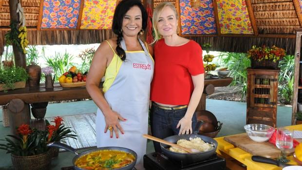 Estrelas: Solange Couto cozinha com Angélica (Divulgação)