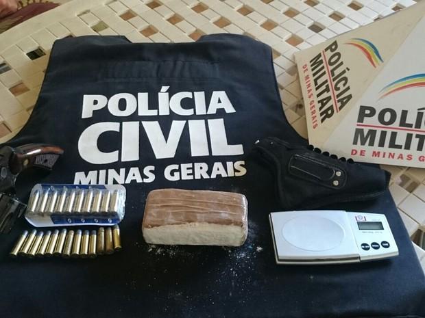 Operação conjunta Polícia Militar e Polícia Civil em Cláudio (Foto: Polícia Militar/ Divulgação)