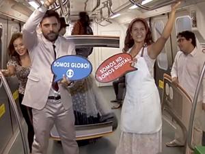 Grupo teatral apresenta encenação sobre a TV digital em vagão do Metrô no DF (Foto: TV Globo/Reprodução)