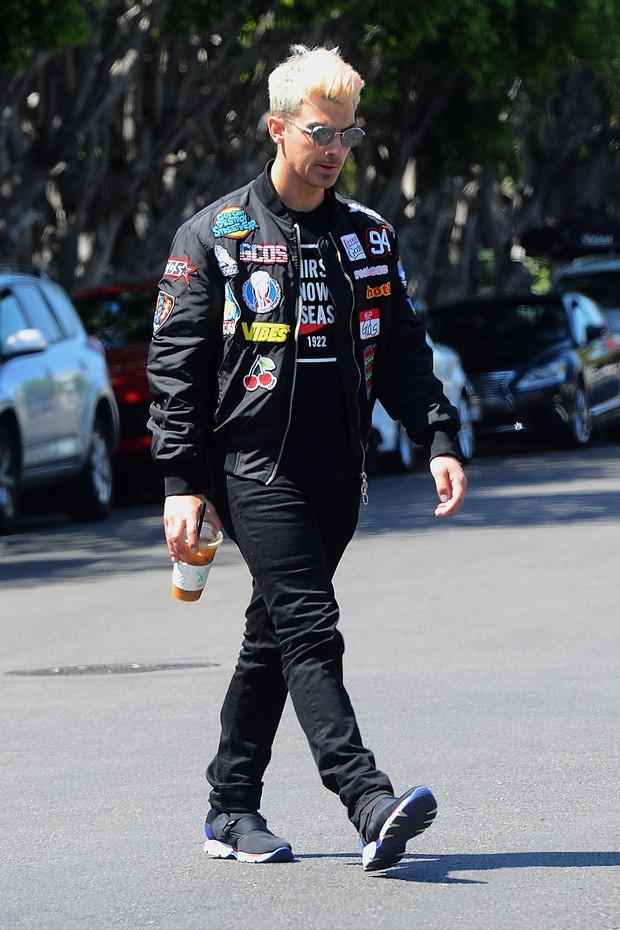 Joe Jomas usa jaqueta patche  (Foto: Getty Images)