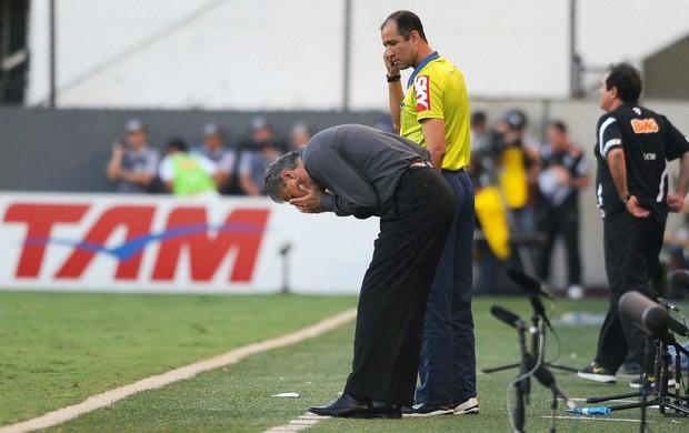 Tite Corinthians Santos (Foto: Marcos Ribolli / Globoesporte.com)