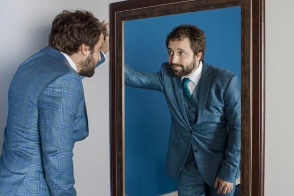 O humorista Gregório Duvivier, que estreia hoje um talk show na HBO (Foto: Rogerio Resende)