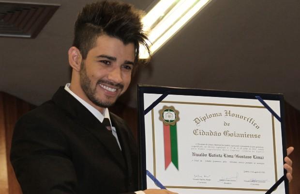 Gusttavo Lima fica emocionado ao receber título de cidadão goianiense (Foto: Divulgação/Dadovilanova Eduardo Henrique )