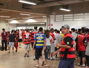 bares estádio mané garrincha santos x flamengo (Foto: Fabrício Marques)