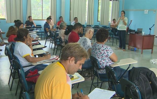 Cárita Diocesana de Macapá reuniu cerca de 40 voluntários em capacitação (Foto: Amapá TV)