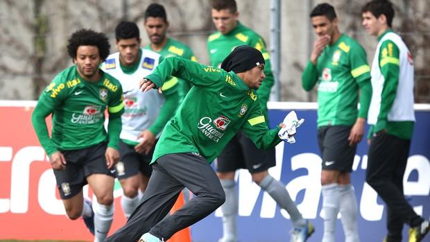 Neymar brasil treino (Foto: Mowa Press)