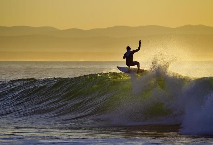 Joel Parkinson (AUS) surfando em Jeffreys Bay pelo Circuito Mundial de surfe  (Foto: WSL / Kirstin Scholtz)