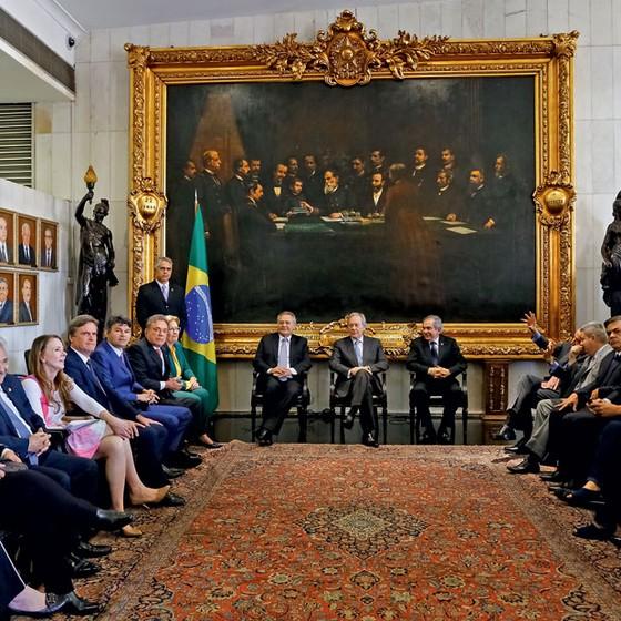 Reunião no salão Nobre do Senado paera tratar sobre os tramites da votoação do Precesso do Impeachment (Foto: Sérgio Lima/ÉPOCA)