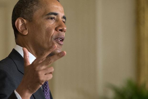 O presidente dos EUA, Barack Obama, fala sobre reforma migratória nesta terça-feira (11) na Casa Branca (Foto: AP)