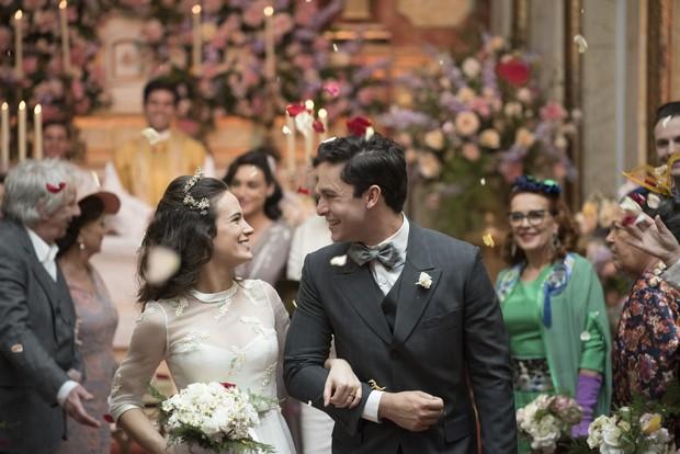 Bianca Bin e Rainer Cadete como Maria e Celso, em Êta Mundo Bom (Foto: Globo/Cesar Alves)
