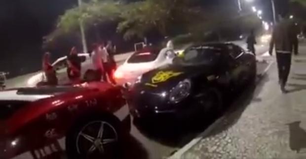 Acidente envolvendo um Mercedes AMG GT, Porsche 911 e uma Ferrari 458 Italia (Foto: Reprodução/Facebook)