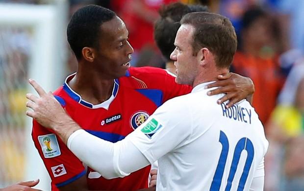 Rooney e Diaz Costa Rica x Inglaterra (Foto: Reuters)